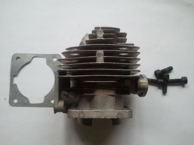 Cylinder Head Used - 33cc (Still Attached to Parted Crank)